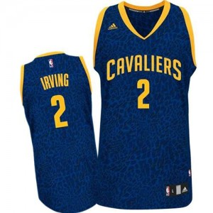 Maillot NBA Authentic Kyrie Irving #2 Cleveland Cavaliers Crazy Light Bleu - Homme