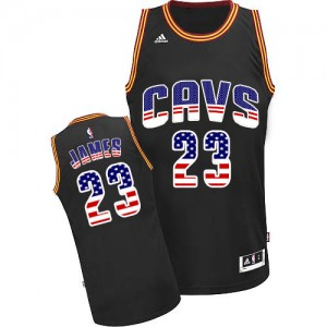 Cleveland Cavaliers LeBron James #23 USA Flag Fashion Authentic Maillot d'équipe de NBA - Noir pour Homme