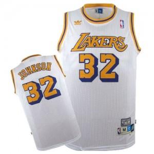 Los Angeles Lakers #32 Mitchell and Ness Throwback Blanc Swingman Maillot d'équipe de NBA pas cher - Magic Johnson pour Homme