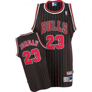 Maillot NBA Chicago Bulls #23 Michael Jordan Noir Rouge Adidas Swingman Strip - Femme