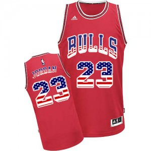 Chicago Bulls Michael Jordan #23 USA Flag Fashion Authentic Maillot d'équipe de NBA - Rouge pour Homme