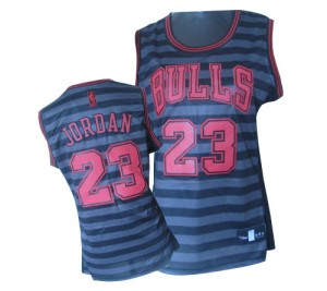 Maillot NBA Chicago Bulls #23 Michael Jordan Gris noir Adidas Authentic Groove - Femme
