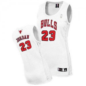 Maillot NBA Chicago Bulls #23 Michael Jordan Blanc Adidas Authentic Home - Femme