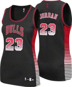 Maillot NBA Chicago Bulls #23 Michael Jordan Noir Adidas Authentic Vibe - Femme