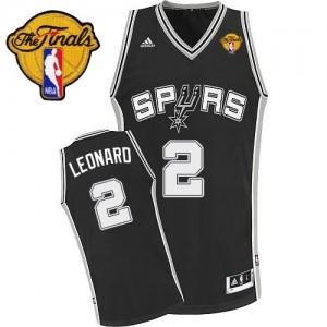 San Antonio Spurs Kawhi Leonard #2 Road Finals Patch Swingman Maillot d'équipe de NBA - Noir pour Enfants