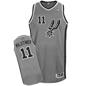 Maillot NBA Gris argenté Nikola Milutinov #11 San Antonio Spurs Alternate Authentic Homme Adidas