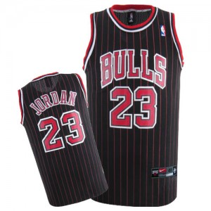 Maillot NBA Chicago Bulls #23 Michael Jordan Noir Rouge Nike Swingman Throwback - Homme