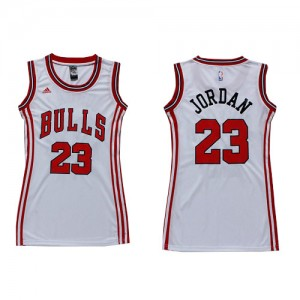 Maillot NBA Chicago Bulls #23 Michael Jordan Blanc Adidas Authentic Dress - Femme