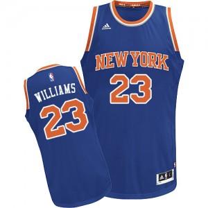 New York Knicks Derrick Williams #23 Road Swingman Maillot d'équipe de NBA - Bleu royal pour Homme
