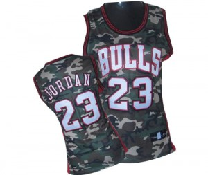 Maillot NBA Chicago Bulls #23 Michael Jordan Camo Adidas Swingman Stealth Collection - Femme