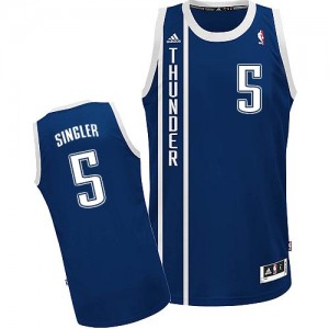 Maillot NBA Oklahoma City Thunder #5 Kyle Singler Bleu marin Adidas Swingman Alternate - Homme