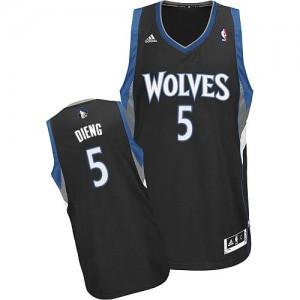 Maillot Adidas Noir Alternate Swingman Minnesota Timberwolves - Gorgui Dieng #5 - Homme