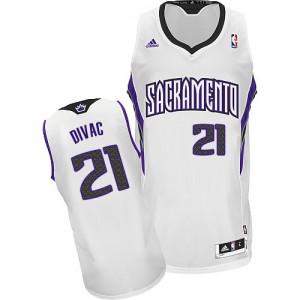 Maillot NBA Blanc Vlade Divac #21 Sacramento Kings Home Swingman Homme Adidas
