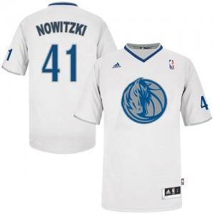 Dallas Mavericks #41 Adidas 2013 Christmas Day Blanc Authentic Maillot d'équipe de NBA vente en ligne - Dirk Nowitzki pour Homme