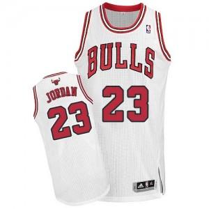 Chicago Bulls Michael Jordan #23 Home Authentic Maillot d'équipe de NBA - Blanc pour Homme