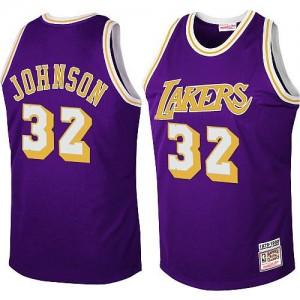 Los Angeles Lakers #32 Mitchell and Ness Throwback Violet Swingman Maillot d'équipe de NBA pas cher en ligne - Magic Johnson pour Homme